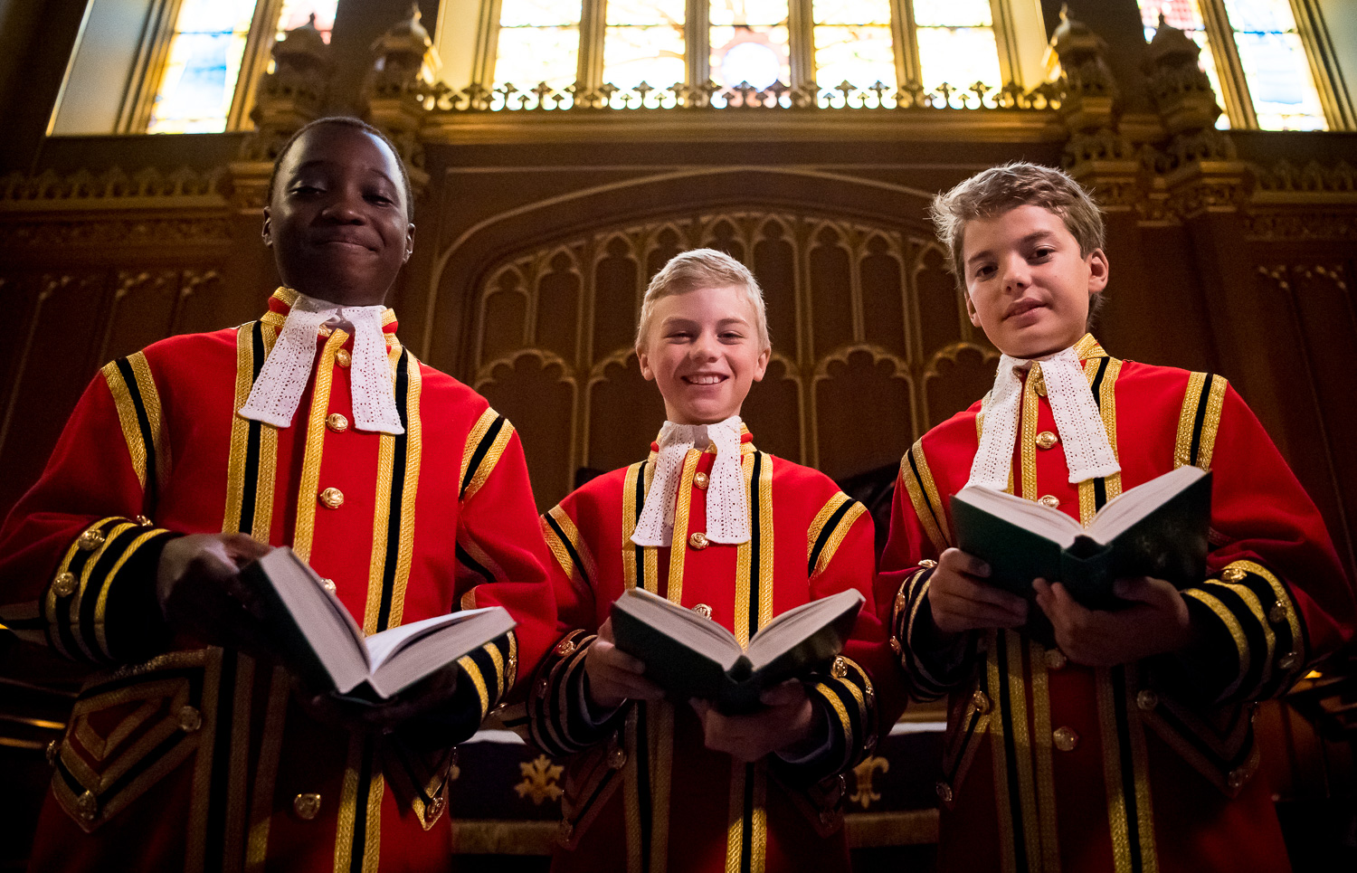 8531413 Chapel Royal Choir 022 Three with books web